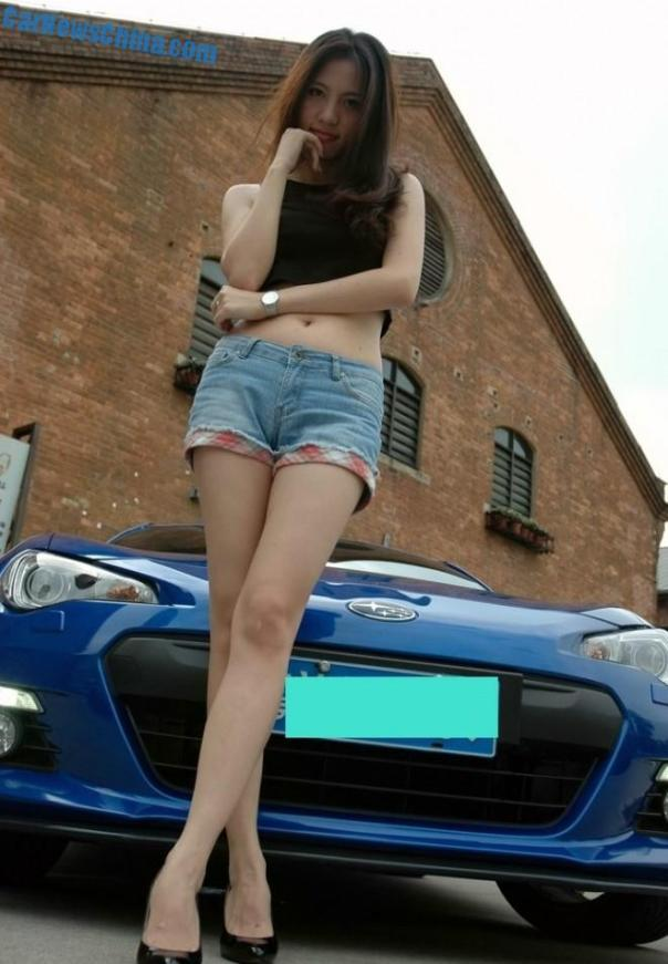 toyota-86-china-girl-2