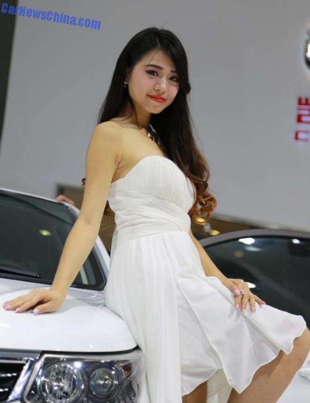 china-car-girls-gz-2-beijing-cowin-1