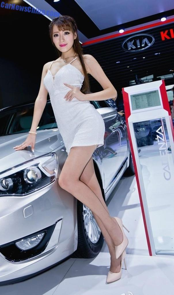 china-car-girls-gz-2-beijing-kia-2