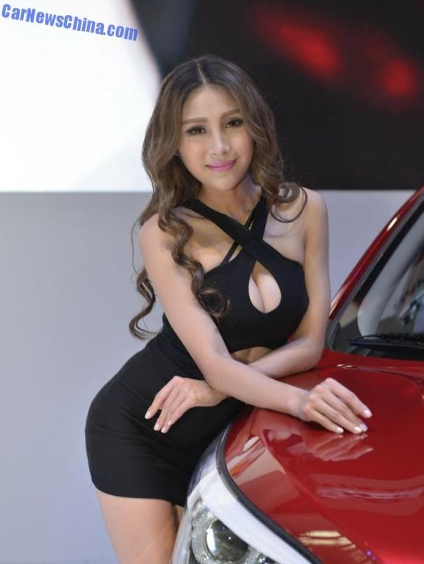 china-car-girls-gz-hawtai-2