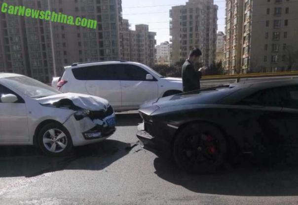 lamborghini-crash-china-1-9ba