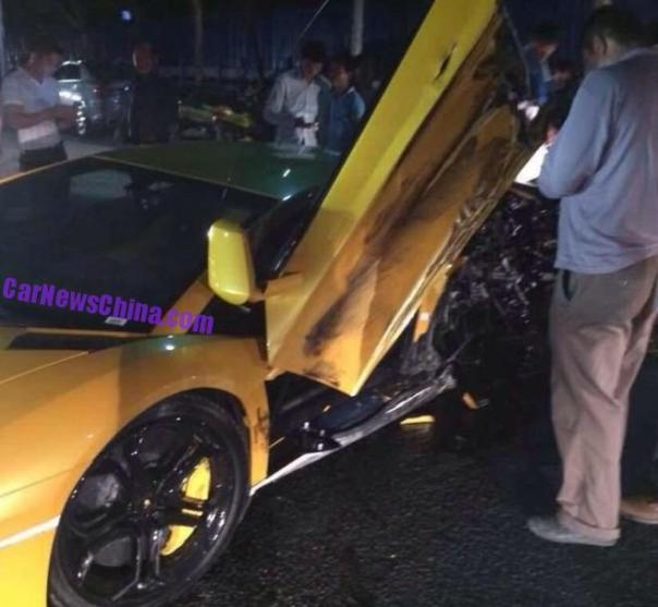 lamborghini-aventador-crash-china-4