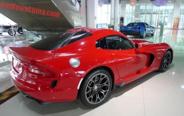 dodge-viper-srt-china-4