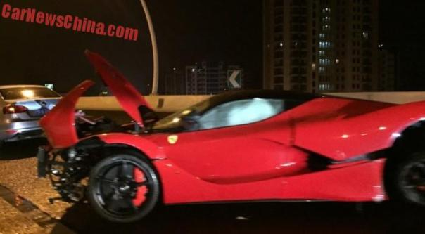 ferrari-laferrari-crash-china-2-1a