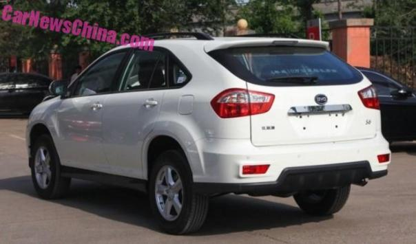byd-s6-china-fl-3