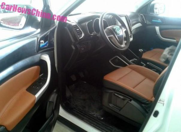 changan-cx70-red-2b