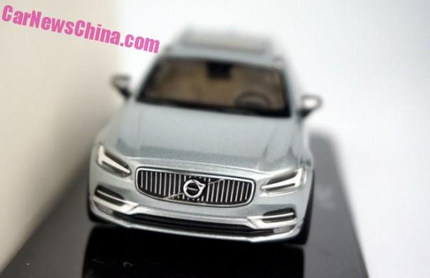 volvo-v90-liquid-blue-1a