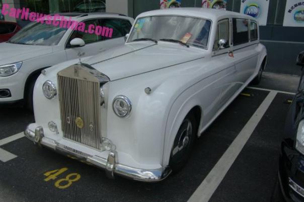Spotted in China: the Soar Automobile Rolls-Royce Phantom Times Three in Shanghai