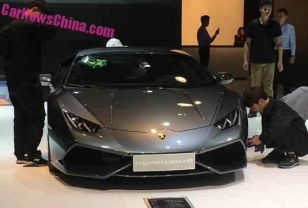 Lamborghini Huracan Zhong arrives at the Guangzhou Auto Show in China