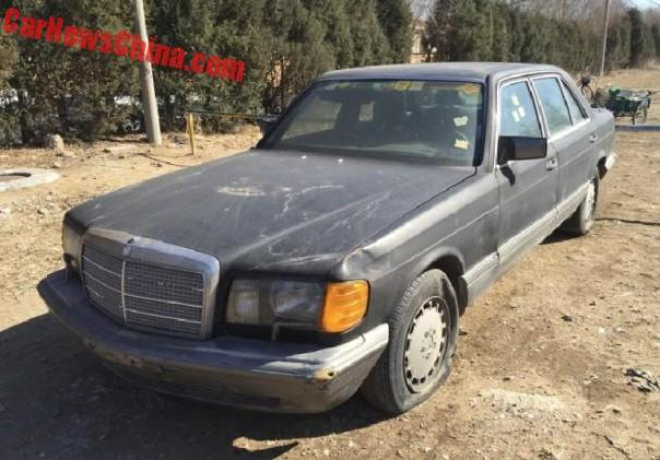 Mercedes-Benz 560SEL is a Dusty Beauty in China