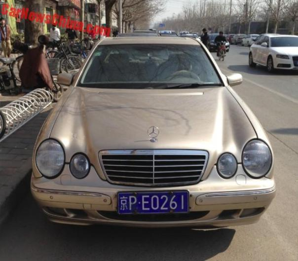 benz-e-gold-china-6