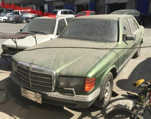 Spotted in China: W126 Mercedes-Benz 280 S in Green