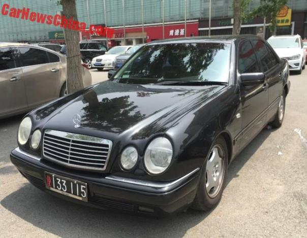 Spotted In China: A Perfect North Korean Mercedes-Benz W210 E-Class Sedan