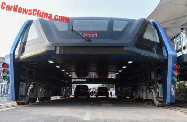 elevated-bus-china-4