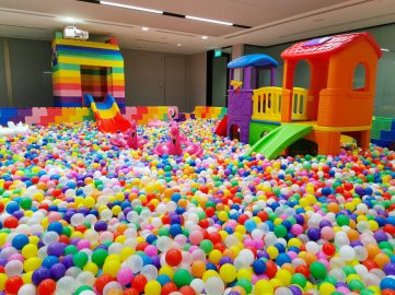 Giant-Ball-Pit-Rental-Singapore-scaled