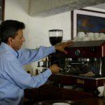 El barista es un profesional del cafe especial