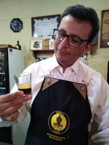 José Luis Araque Director de Caroai Café, productor de café, barista, ciclista, paracaidista