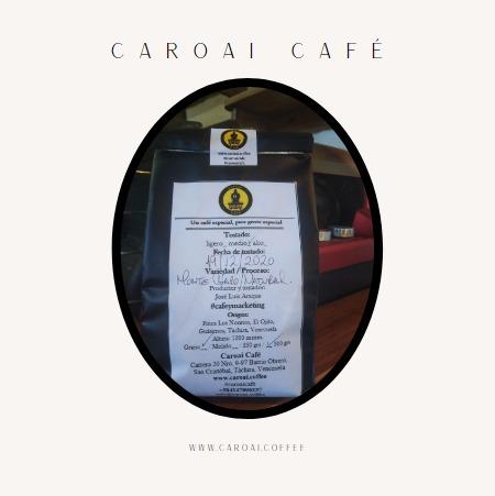 Café tostado en bolsa con válvula desgasificadora. Caroai Café