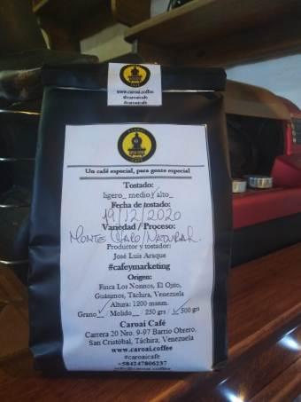 Bolsa de café tostado en grano de Caroai Café. Cómo preservar el café.