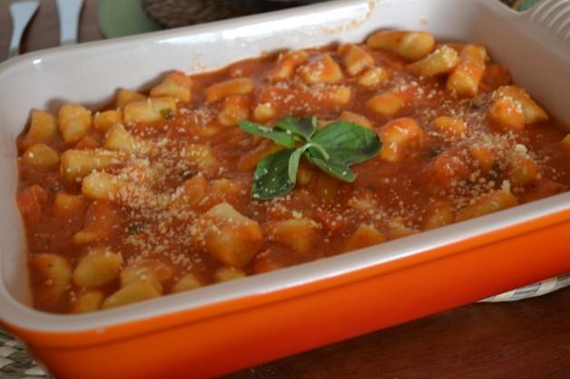 nhoque-de-grão-de-bico-com-molho-de-tomate-frescos-panelinha-rita-lobo-receita-light-gastronomia-blog-carola-duarte