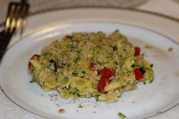 risoto-de-quinoa-abobrinha-tomate-cereja-licia-vendruscolo-blog-carola-duarte