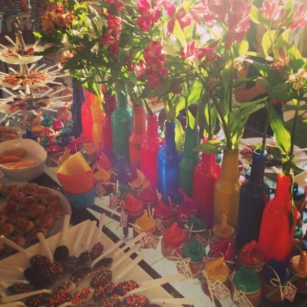 dica-de-decoração-flores-na-garrafa