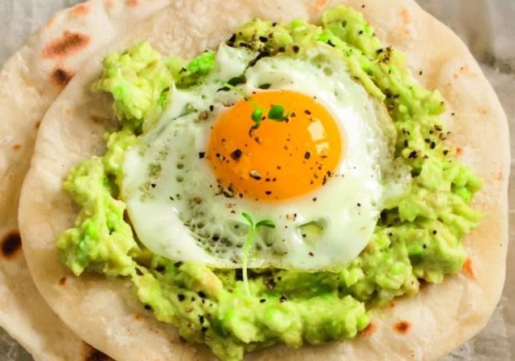 taco-com-ovo-e-guacamole