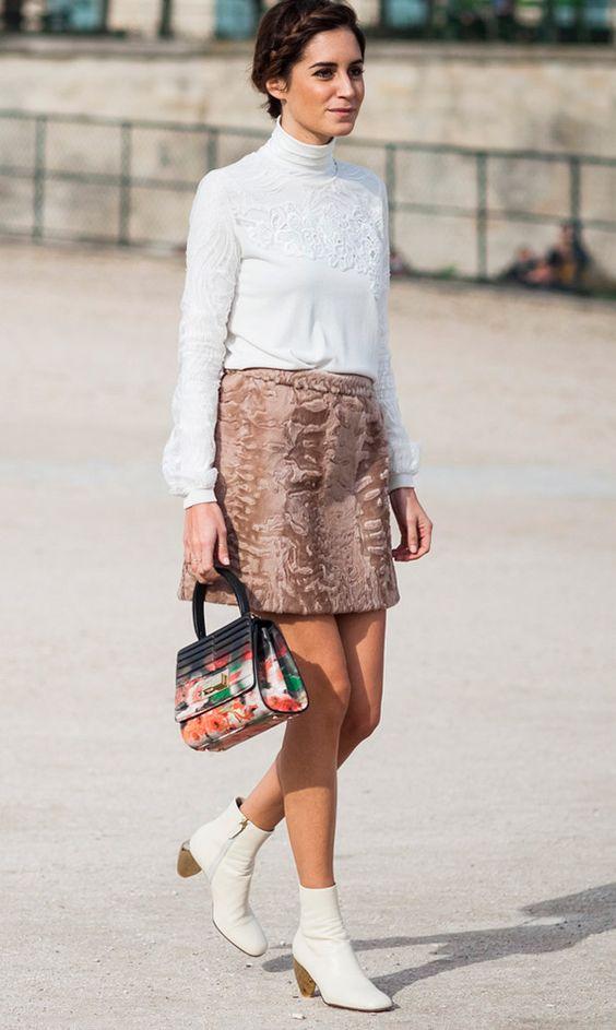 como usar bota branca no inverno com saia