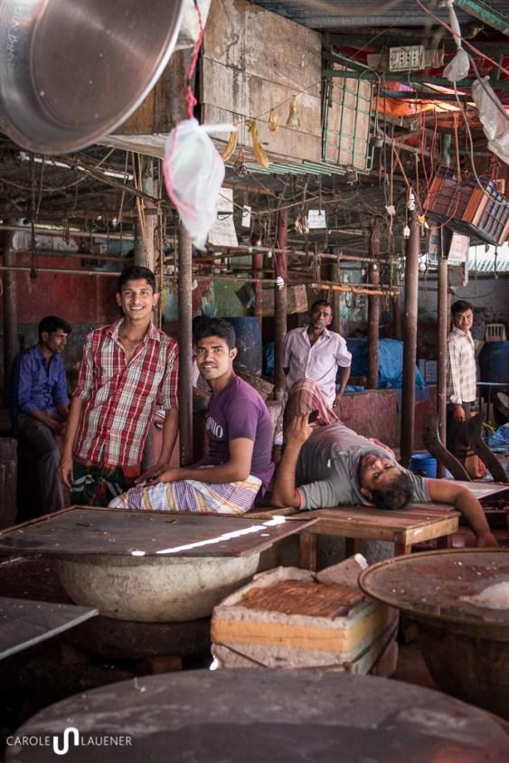 Auf dem Fischmarkt bleiben während des Hartals viele Auslagen leer.