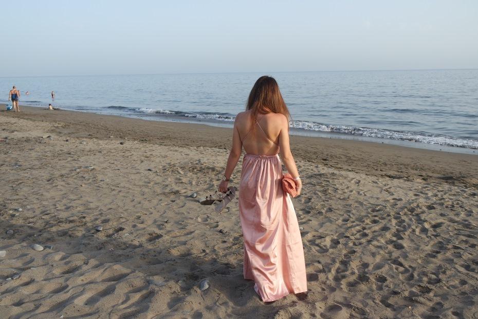 abito lungo al mare
