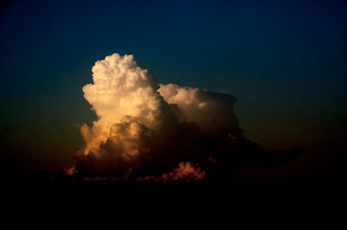 Mehrfarbige Wolkenform