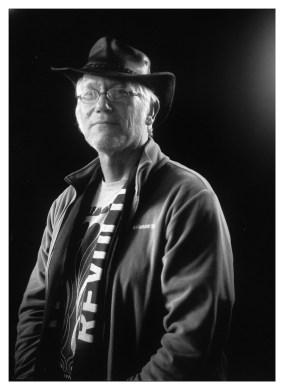 Jan van der Bij: 'Ik heb thuis wel 20 echte Australische hoeden aan de muur hangen. Deze die ik op heb is heel speciaal. Ik heb hem gekregen van mijn zoon. Hij vond de hoed die ik altijd droeg te versleten. Daarom heeft hij in een winkeltje in Drenthe dit exemplaar voor mij gekocht. Als cadeau.'