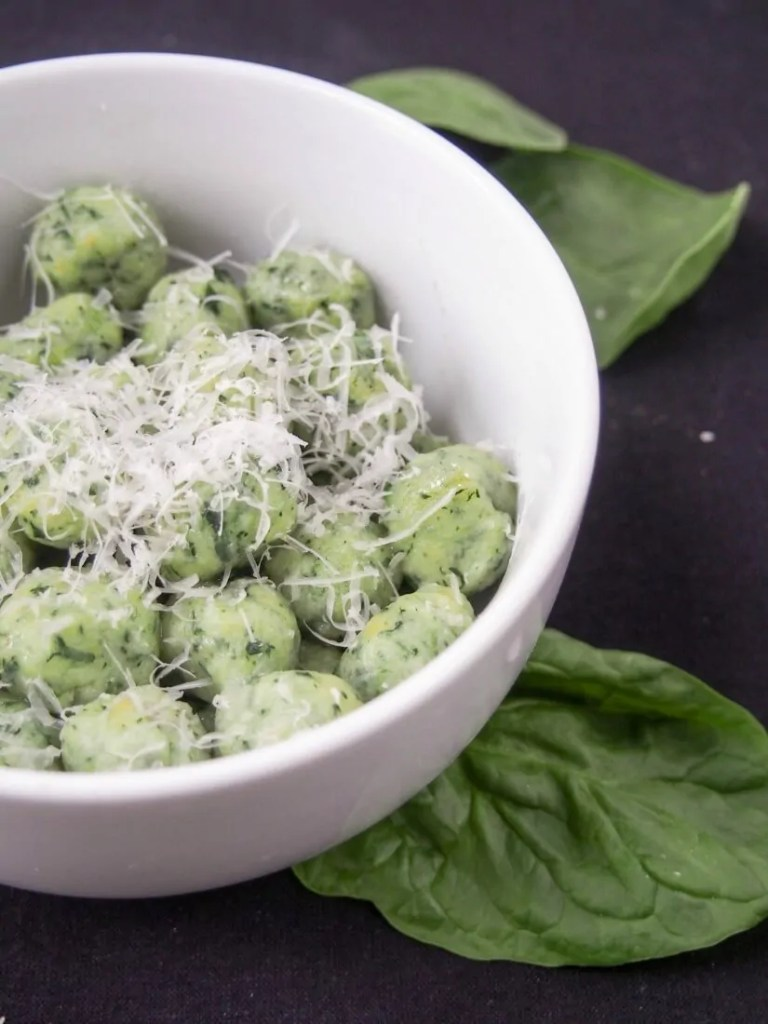 These potato spinach gnocchi are deliciously comforting, light and tasty. A great way to hide greens, you'll be too busy enjoying them to notice. Via @carolinescookng