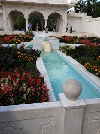 Hamilton-Gardens-e1576694923872-768x1024 Highlighting Historical Romance