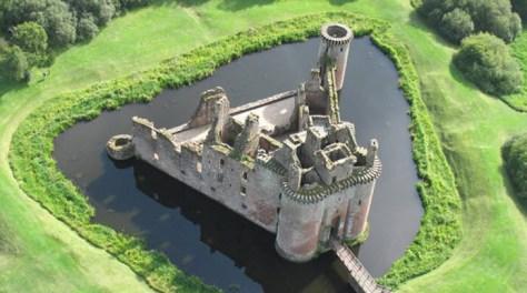 caerlaverock-castle Highlighting Historical Romance