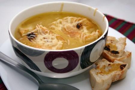 223. A melhor sopa de cebola ever!