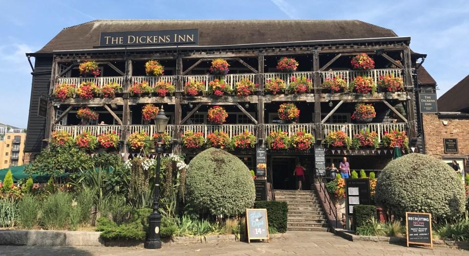 Londres: St. Katherine's Docks e o pub mais fofo