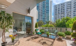 Wilshire Terrace balcony