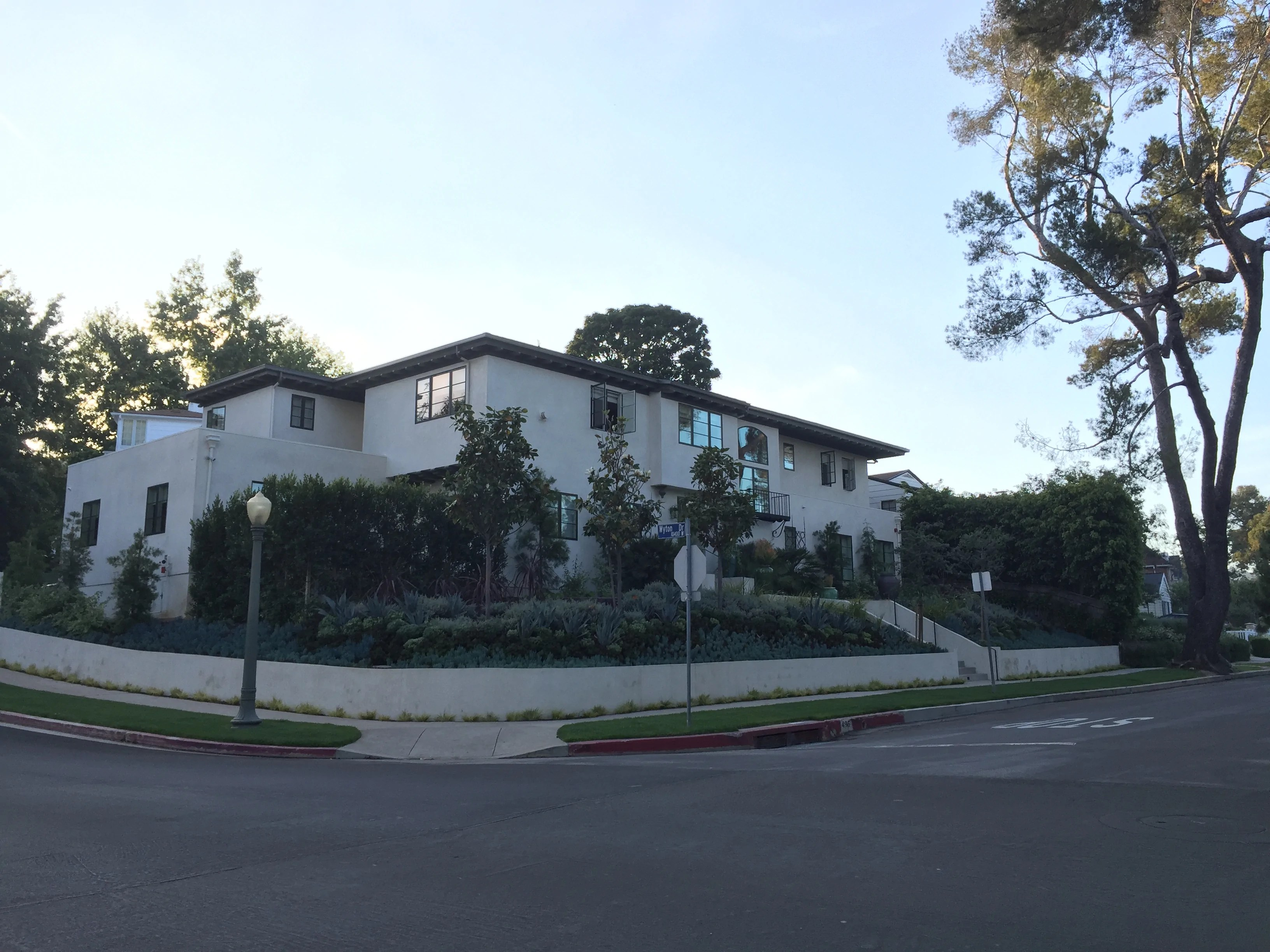 Little Holmby Hills Homes For Sale