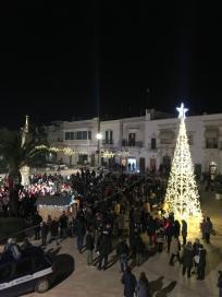 Carovigno Piazza Nzegna Natale (3)