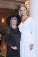 IMG_3943 Barbara Katz & Laurie Dhue