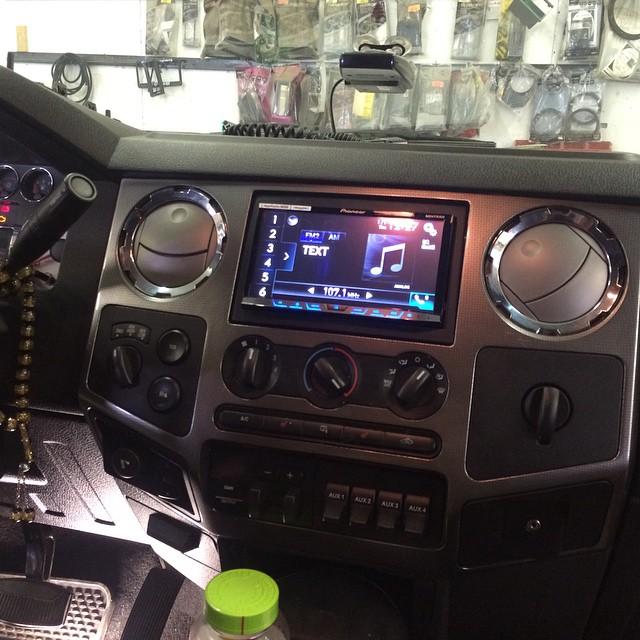 CarPlayLife_Ford_F350