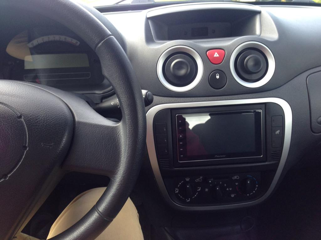 carplay installs pioneer sph da120 in a citroen c2. Black Bedroom Furniture Sets. Home Design Ideas