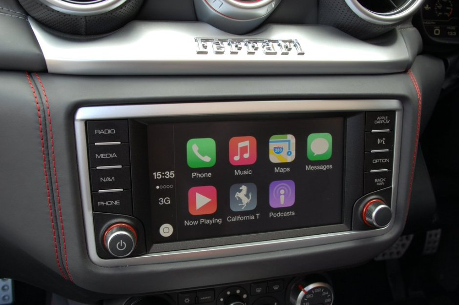 Ferrari Cali CarPlay