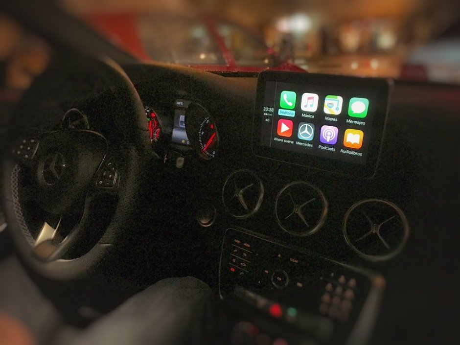 Mercedes A Class Carplay
