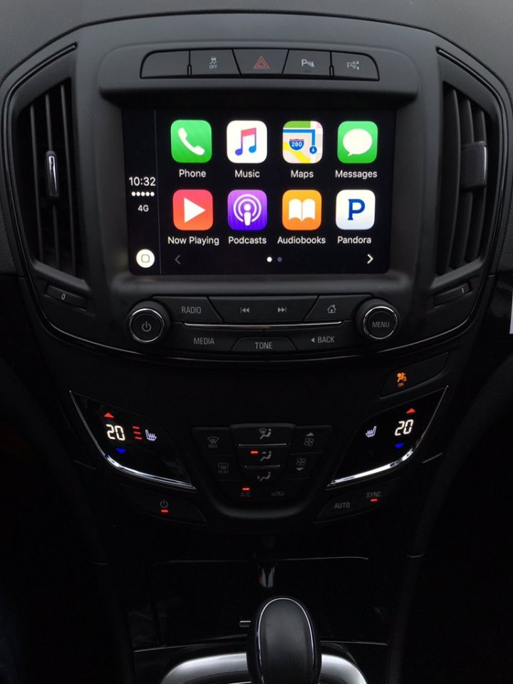 Opel Insignia CarPlay