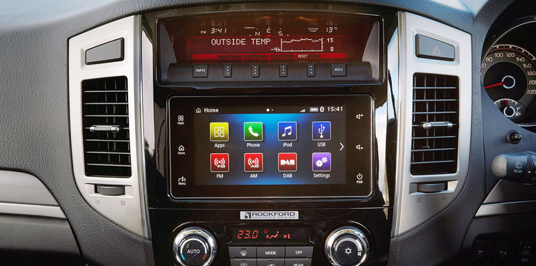 mitsubishi pajero 2016 carplay