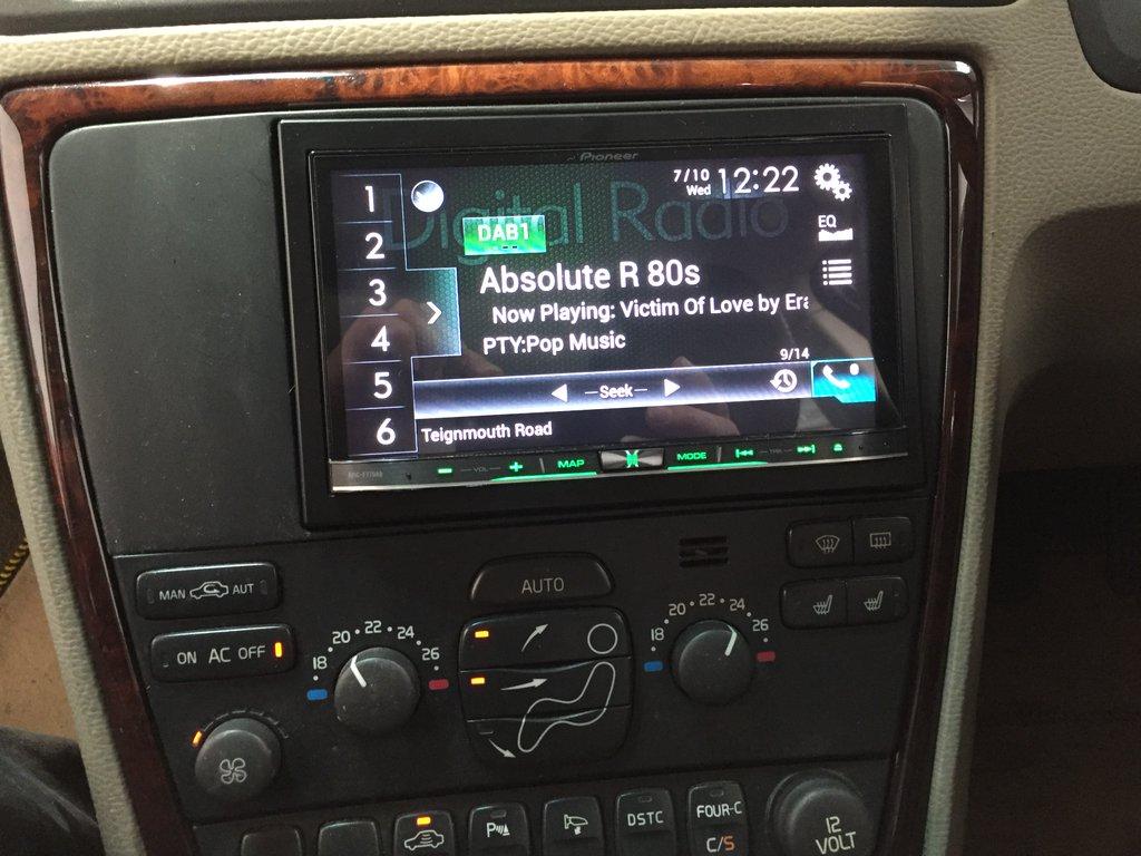 Carplay Installs Pioneer Avic F77dab In A Volvo C70 Life Foto Install