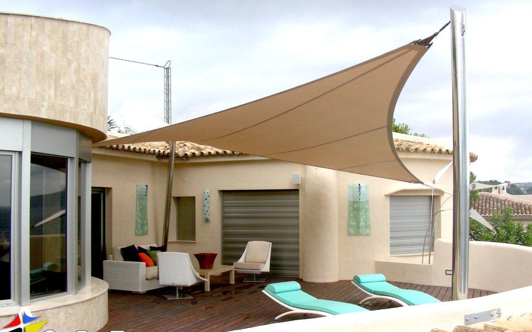 Vela-Tensado Paraboloide Hiperbólica para cubrir terraza solarium. Barcelona.