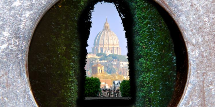 St. Peter's Dome through the Keyhole